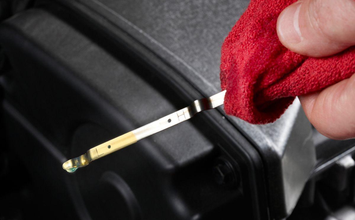 Уровень масла в двигателе выше нормы
