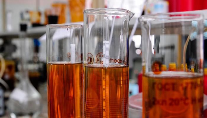К чему приведет долив полусинтетики в синтетику?